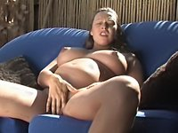 Yummy Mummy Samantha Wanking