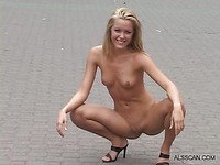 Sophie Moon fully nude in public