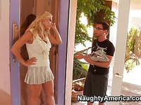 Busty mom Amber Lynn enjoys young dick